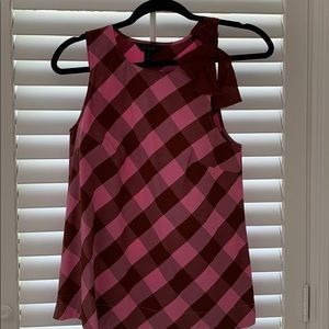 J crew top with tie closure. Size 0. Like new.